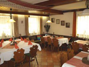 Das Nebenzimmer im Restaurant Kreuzwirt eignet sich hervorragend für Feiern und Veranstaltungen